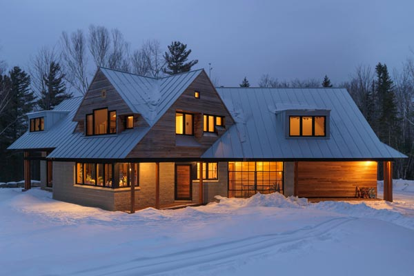 Warren Vermont Contemporary farmhouse exterior construction